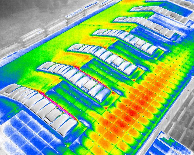Kontrola fotovoltaických elektráren termovizní kamerou